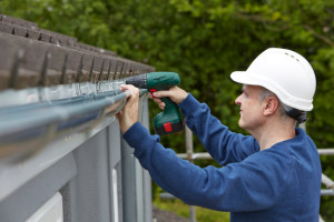 Associations are on the hook if an unlicensed contractor gets injured on the job